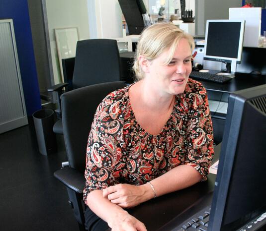 Kunstcentrum Zaanstad Vrouw achter computer